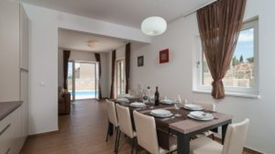 Hiša, 135 m2, Prodaja, Škrip