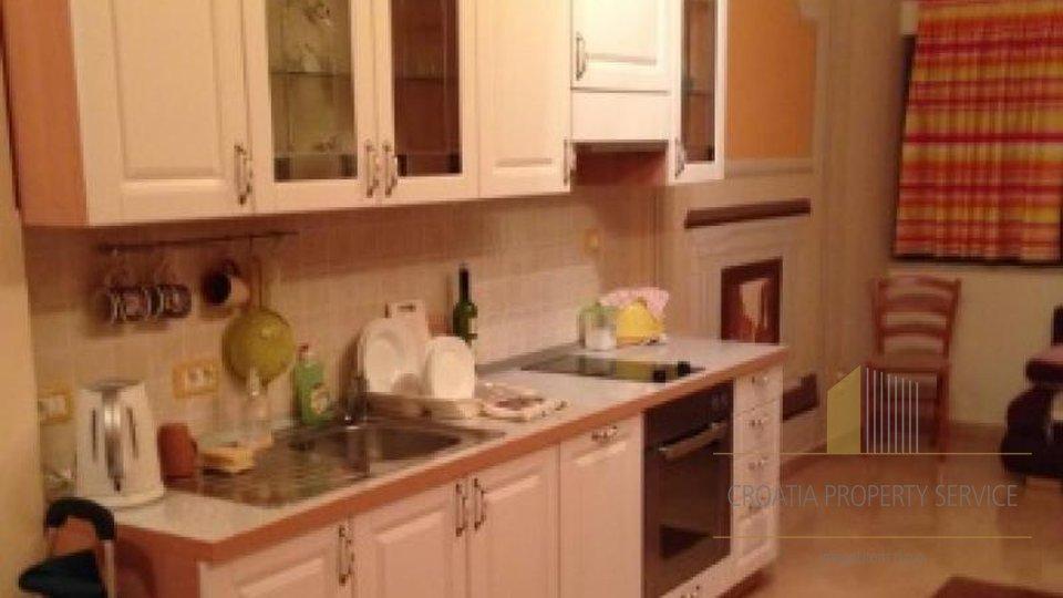 Appartamento, 67 m2, Vendita, Supetar