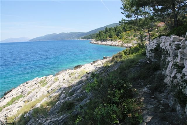 BUILDING LAND PLOT, FIRST ROW TO THE SEA, IN PRIGRADICA ON KORČULA ISLAND