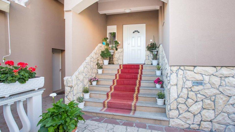 Hotel, 1200 m2, For Sale, Zadar