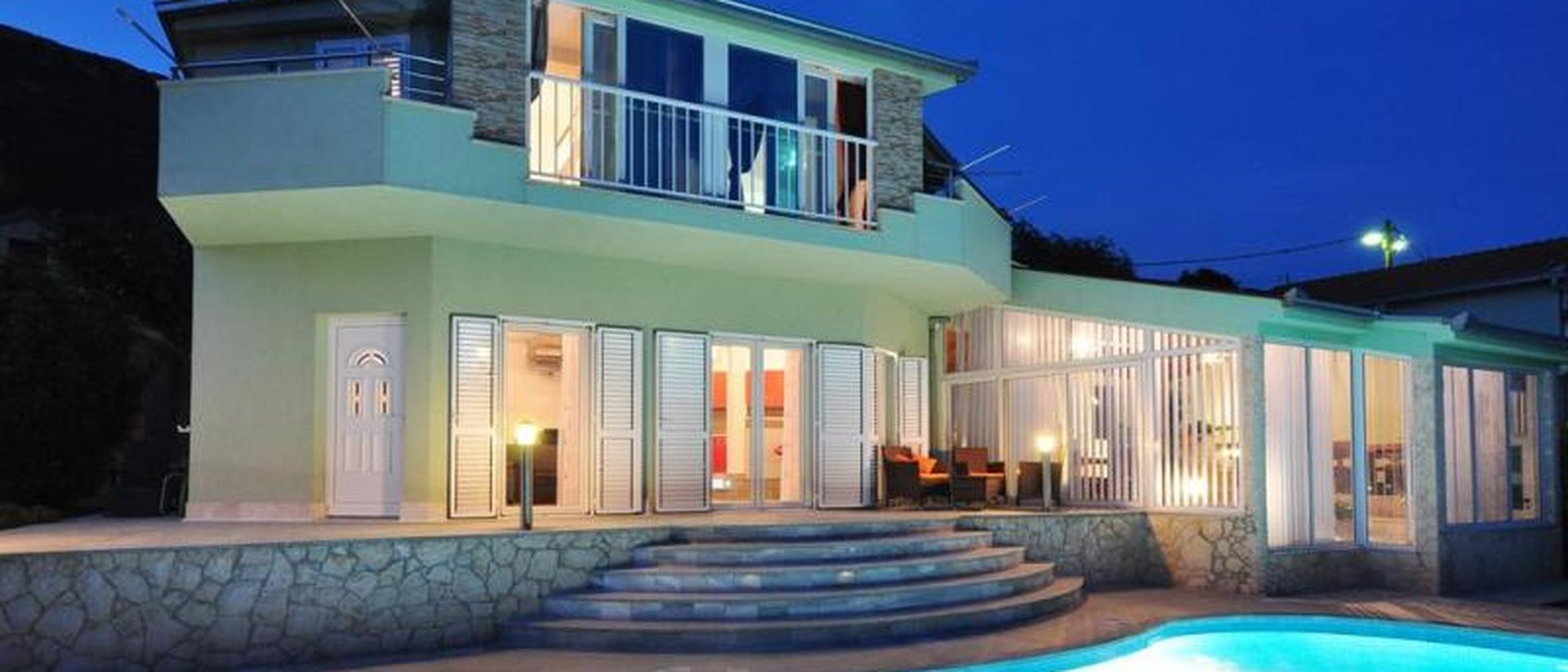 TWO VILLAS IN A PACKAGE WITH A MAGNIFICENT SEA VIEW, BETWEEN SPLIT AND TROGIR