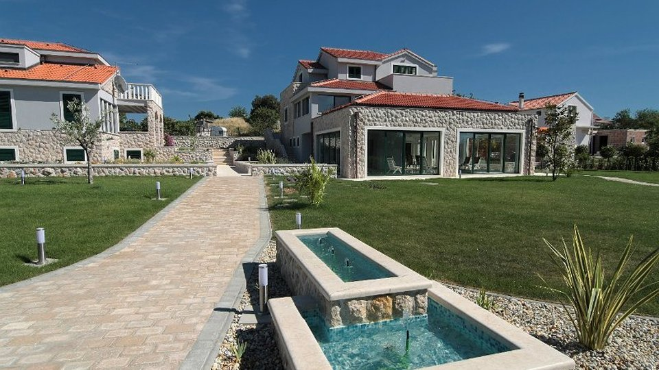 Huge estate of 3000 m2 with two luxury villas just 50 meters from the sea on Murter, Sibenik area!