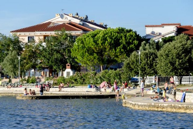 SEAFRONT 4* HOTEL, WITH RESTAURANT, NEAR ZADAR
