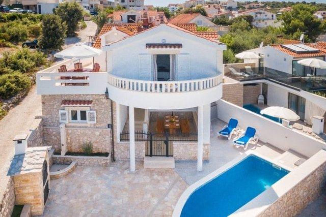 Hiša, 383 m2, Prodaja, Marina - Sevid