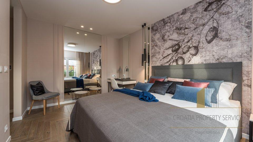 Hiša, 425 m2, Prodaja, Zadar