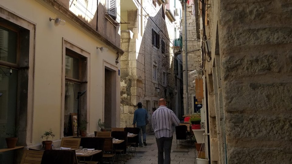 APARTMENT IN THE CENTRE OF SPLIT, INSIDE THE WALLS OF DIOCLETIAN'S PALACE