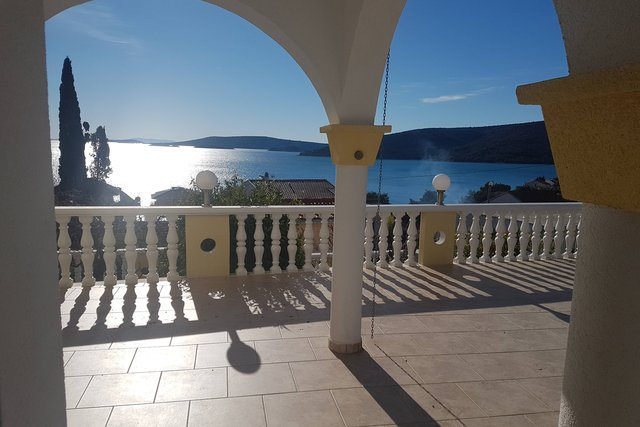 APARTMENT , JUST 150 METERS FROM THE SEA, WITH BEAUTIFUL VIEW