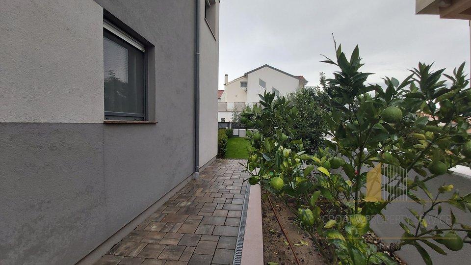 Hiša, 327 m2, Prodaja, Zadar