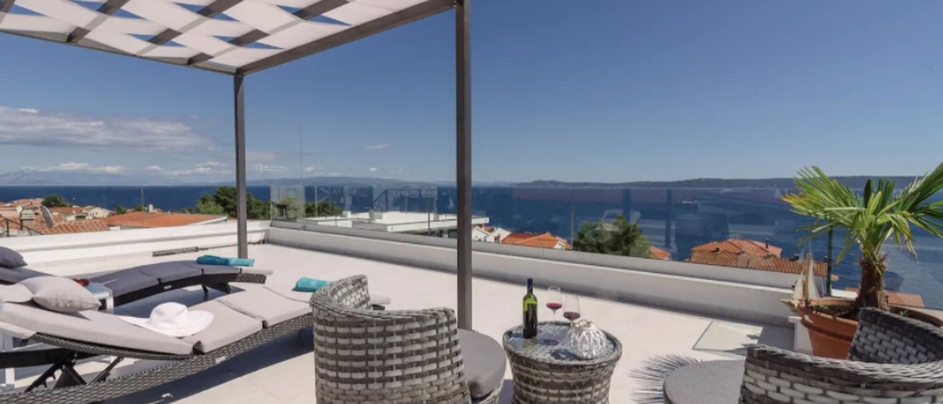 Great, brand new villa, not far from the sea
