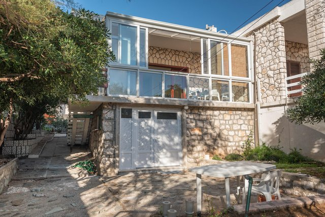 SEMI- DETACHED HOUSE IN THE FIRST ROW BY THE SEA, WITH PRIVATE BEACH AND MOORING OF 75 M2