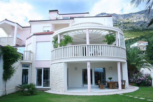 Haus, 742 m2, Verkauf, Omiš