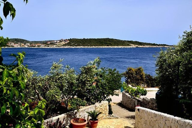 CHARMING HOUSE, JUST 20 METERS FROM THE SEA