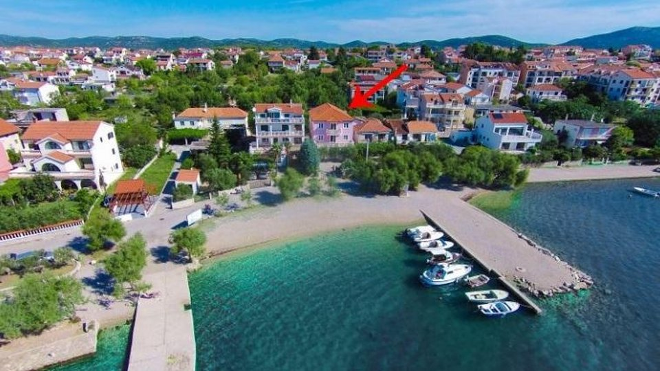 Wonderful seafront property right by the beach and by yachting pier in Pirovac!
