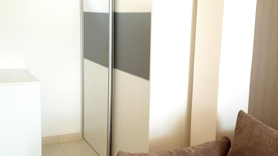 MODERN APARTMENT COMPLETELY FURNISHED, LOCATED IN NEW BUILDING IN SEGET DONJI NEAR OF TROGIR!