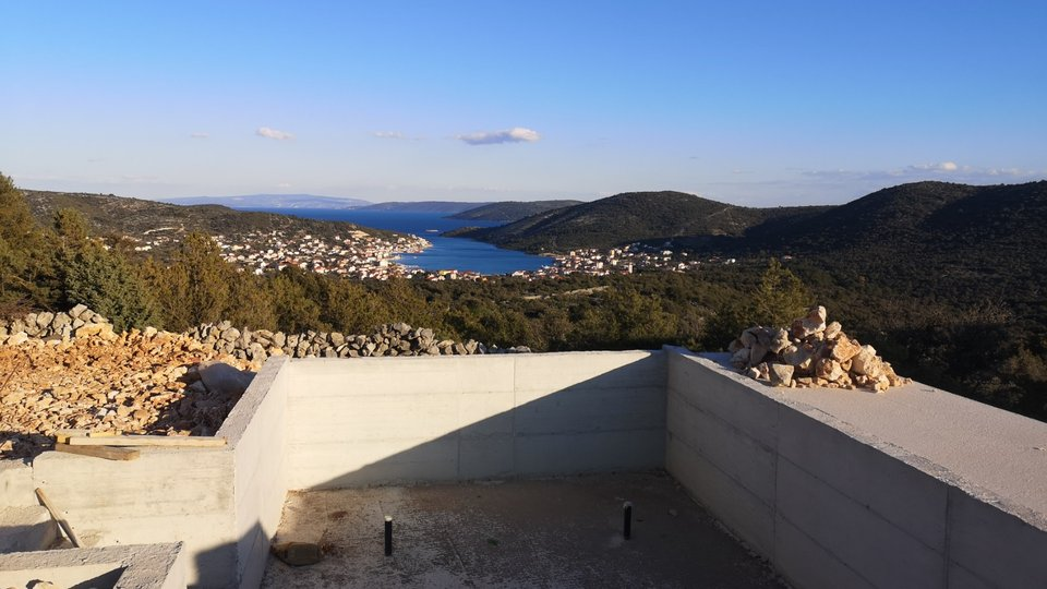 Modern villa with pool to be built in Vinisce between Trogir and Rogoznica!