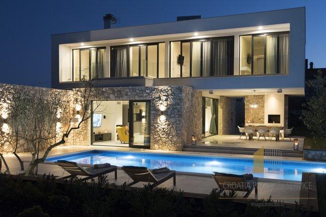 Casa, 200 m2, Vendita, Šolta