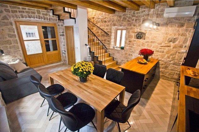 House, 105 m2, For Sale, Kaštel Novi
