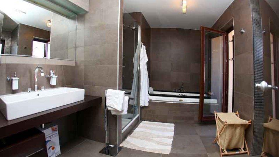 House, 746 m2, For Sale, Povlja