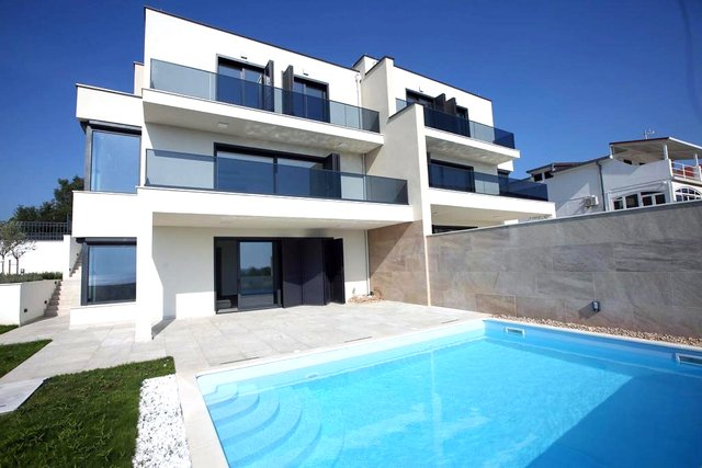 Hiša, 265 m2, Prodaja, Rogoznica