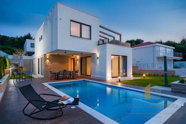 Hiša, 250 m2, Prodaja, Trogir - Čiovo