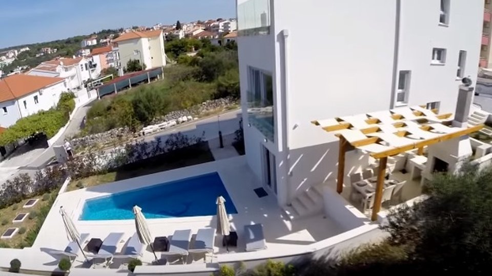 Incredibly nice modern villa with swimming pool on Ciovo, Trogir!