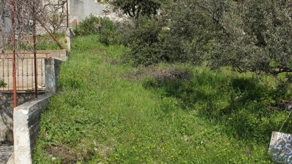 Construction land plot in popular touristic place Seget Vranjica, just 100 meters from the beach, for sale!