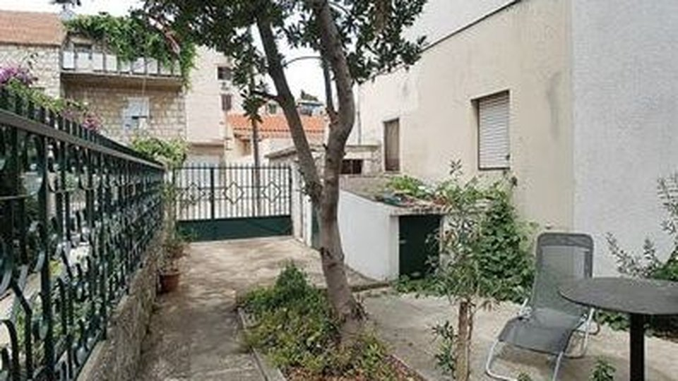 Buy-to-renovate investment property in booming Split city!