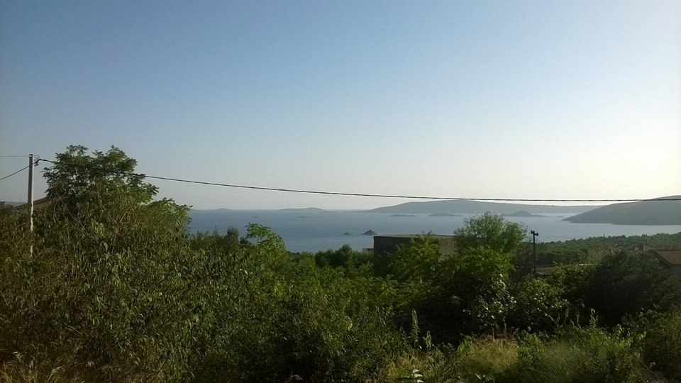 Land for construction with sea view in Seget Vranjica, rare opportunity!
