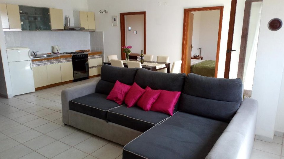 APARTMENT HOUSE WITH BIG LAND PLOT AND PANORAMIC SEA VIEW, TRIBUNJ!