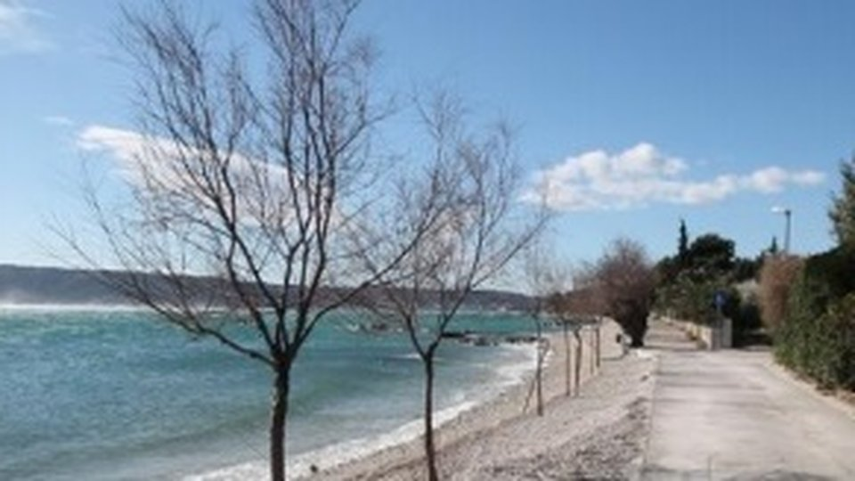 First line land plot in Kastel Stafilic between Split and Trogir!