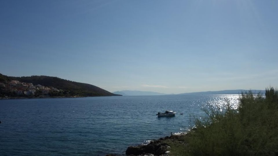 Waterfront house for renovation on Ciovo, Trogir!