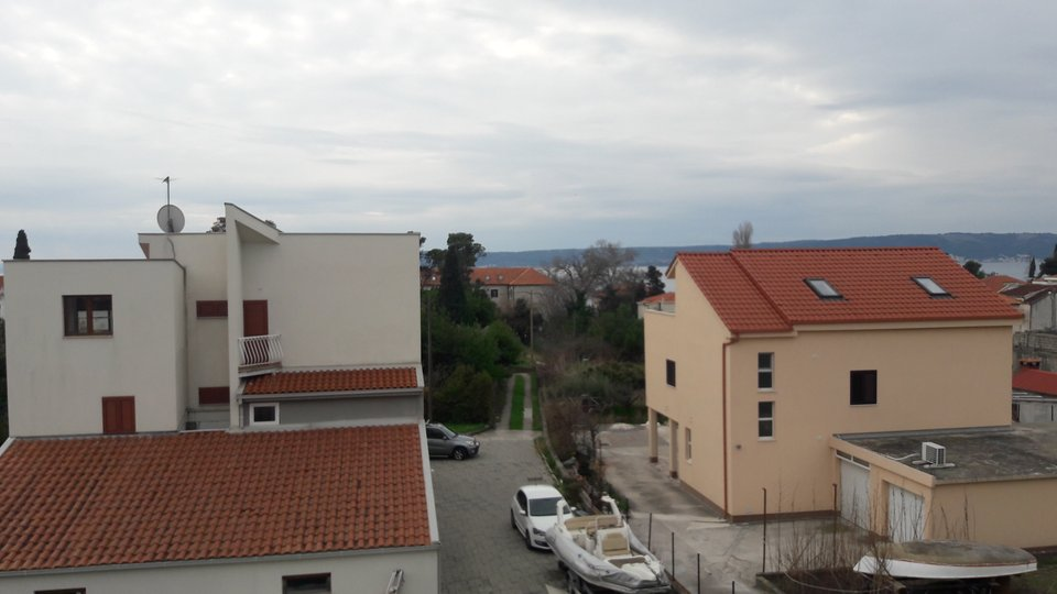 A sought-after new high-class residence 150 meters from the sea and a chic beach in Kastela!