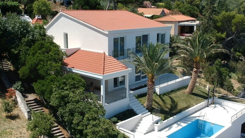 House, 400 m2, For Sale, Splitska