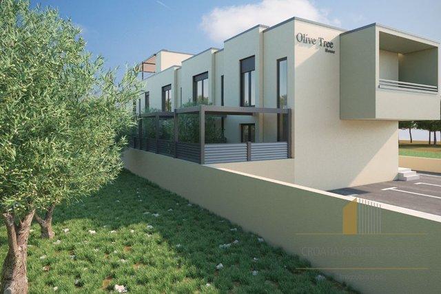 Savršeno pozicionirana nova stambena zgrada u neposrednoj blizini mora, Kaštel Stari!