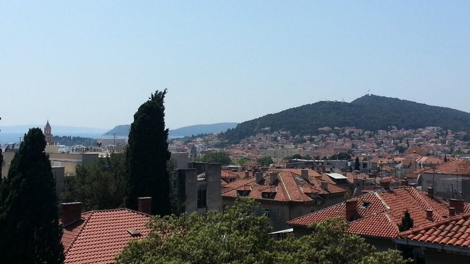 Wonderful apartment in Split (Manus) with view over the sea!