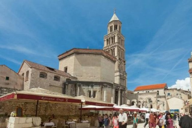 Jedinstveni stan za prodaju u samom srcu Splita, unutar gradskih zidina stare Dioklecijanove palače!