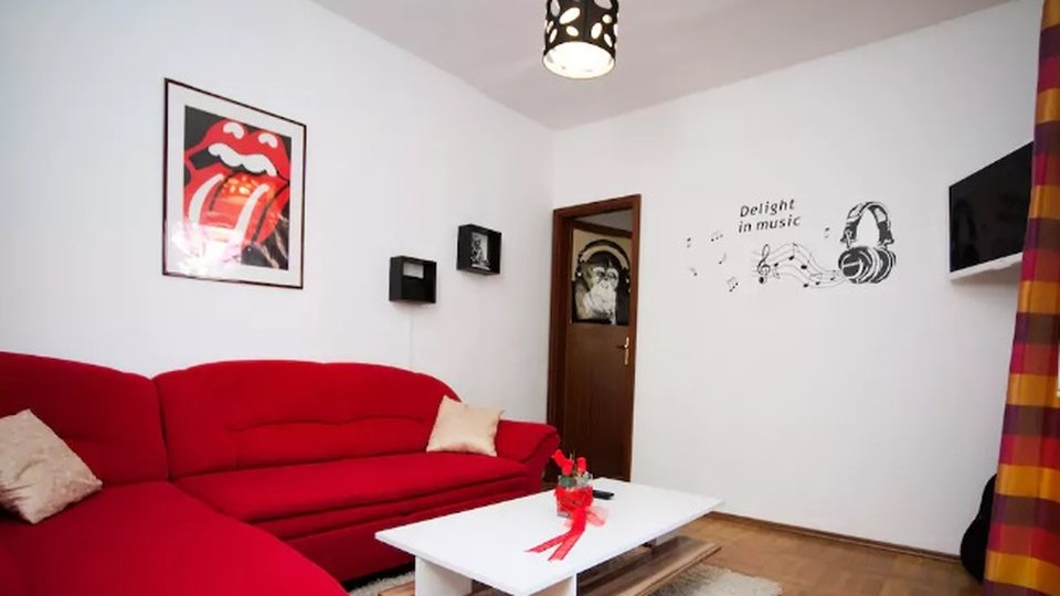 Unique apartment for sale in the very heart of Split, within city walls of the old Diokletian Palace!