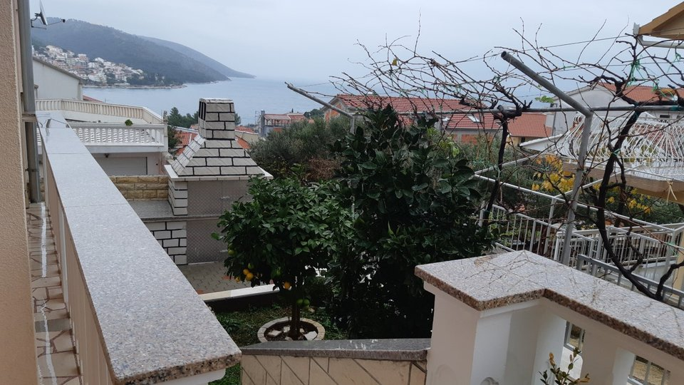 FAMILY HOUSE WITH TWO APARTMENTS LOCATED ON THE SOUTH SIDE ISLAND OF CIOVO!
