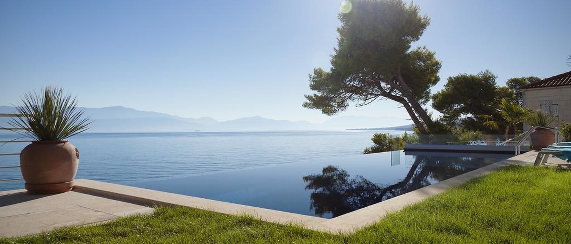 Beautiful seafront villa with private beach in Sutivan on the paradise island of Brac