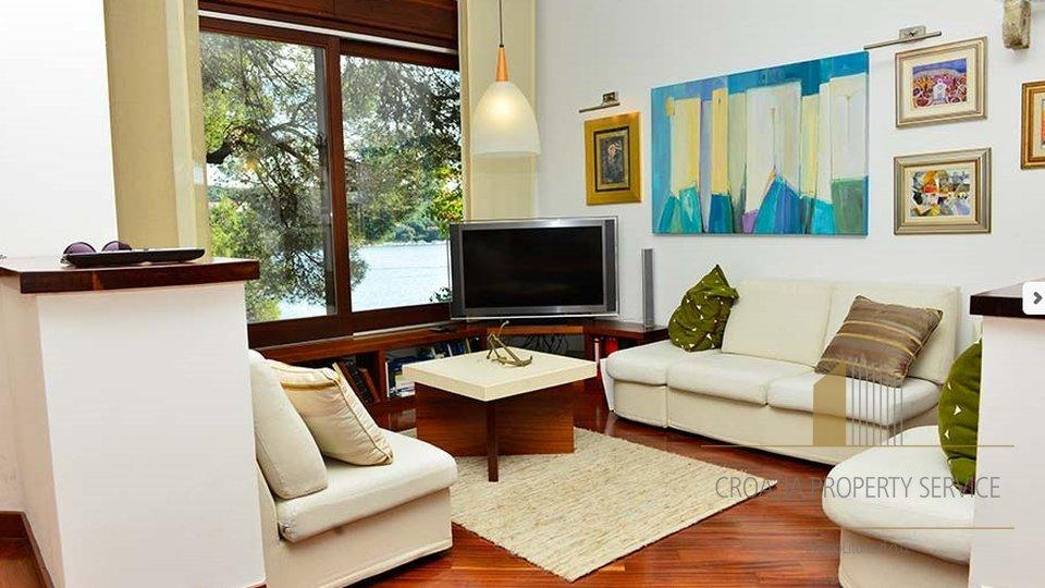 Kuća, 300 m2, Prodaja, Mokošica