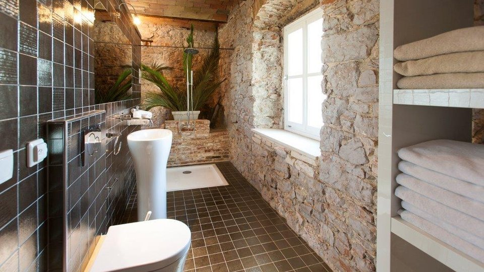Romantic medieval palazzo in Jelsa town of Hvar island, with pool and internal yard!