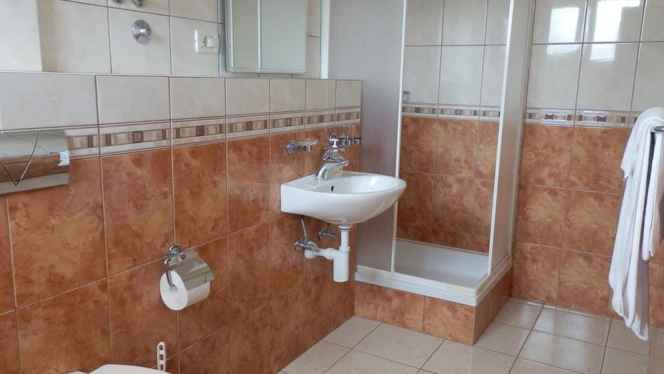 Hotel, 860 m2, For Sale, Šolta