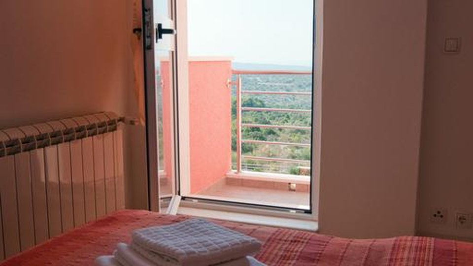 APARTMENT VILLA SITUATED AT ALMOST UNTOUCHED NATURE WITH BEAUTIFUL VIEW TO PRIMOSTEN!