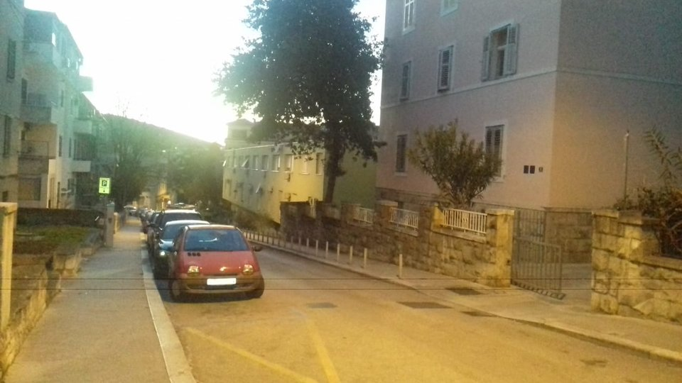 TWO-STOREY APARTMENT OF 72 SQM IN A SMALL RESIDENTIAL BUILDING LOCATED IN THE CENTER OF SPLIT!