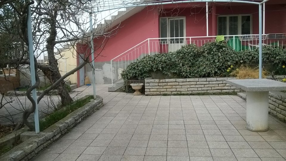 Investment property in Brodarica just 20 meters from the sea - to be recommended!