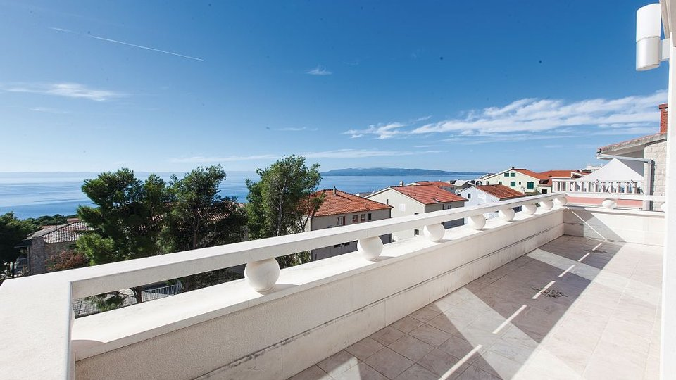 House, 401 m2, For Sale, Makarska