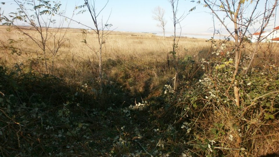 BUILDING LAND SURFACE 2395 M2 LOCATED IN PRIVLAKA!