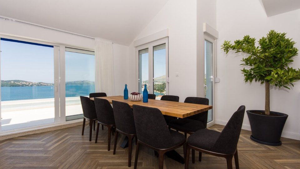 LUXURY APARTMENT WITH MAGNIFFICANT SEA VIEW, CIOVO!