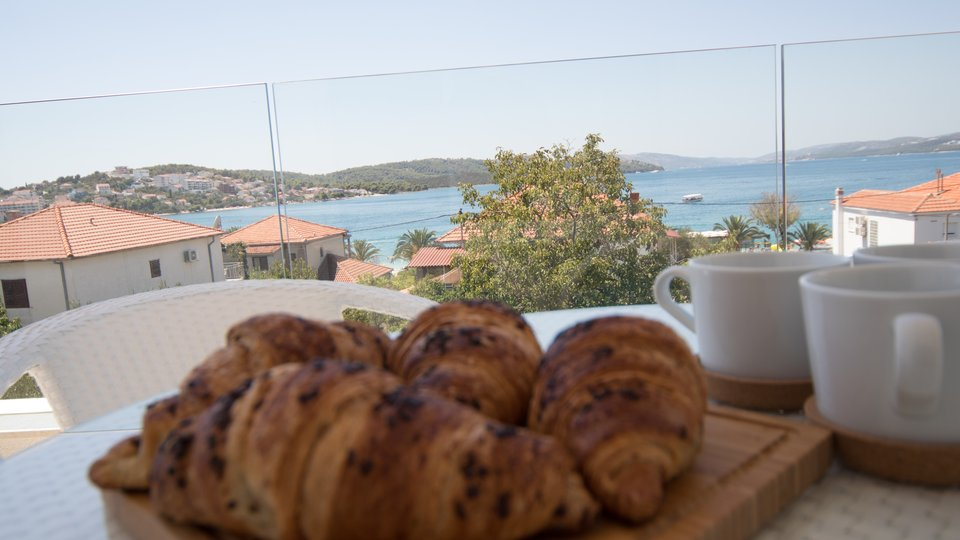 Hotel, 826 m2, For Sale, Trogir - Čiovo