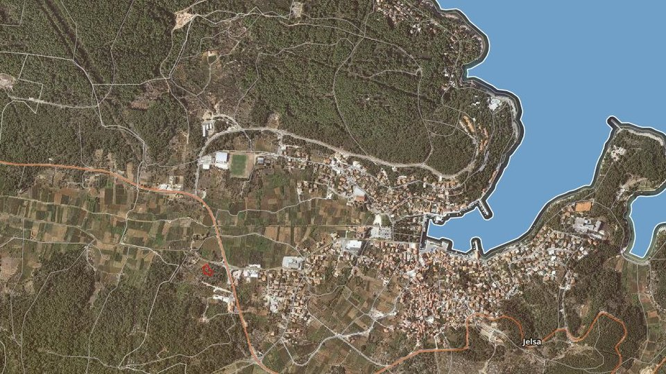 BUILDING LAND IN THE ZONE OF BUSINESS PURPOSE, JELSA, HVAR!